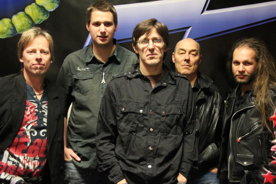 Armadillo-Band